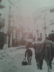 Carrer la Bassa, el 5 de gener de 1939